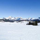 D-1016-spuren-im-schnee-winter-seiser-alm.jpg