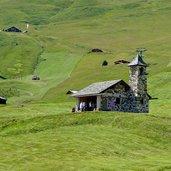 D-1537-col-raiser-seceda-kirche-kapelle.jpg