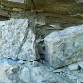 D-1976-geotrail-gestein-abdruecke-fossilien.jpg