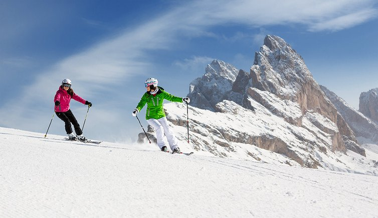 skifahren snowboarden gr den dolomiten s dtirol. Black Bedroom Furniture Sets. Home Design Ideas